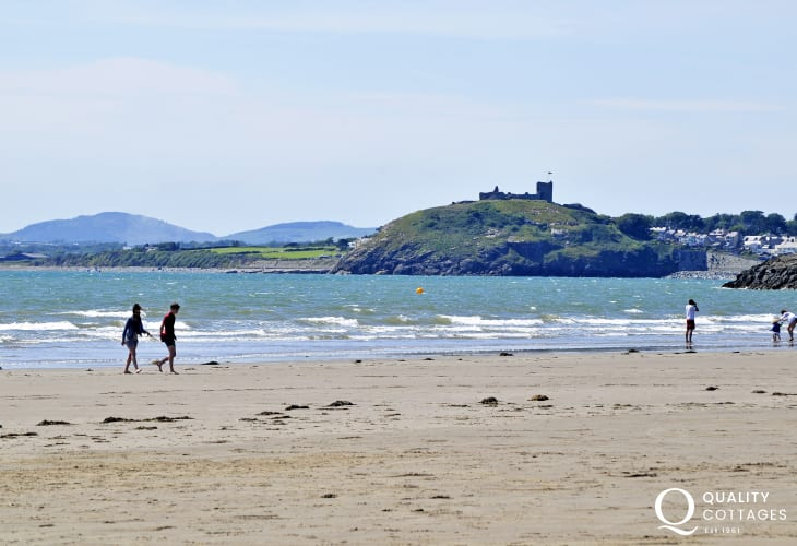 2 lovely beaches in Criccieth