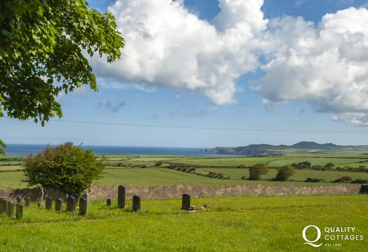 Enjoy breathtaking panoramic views from the cottage to Strumble Head