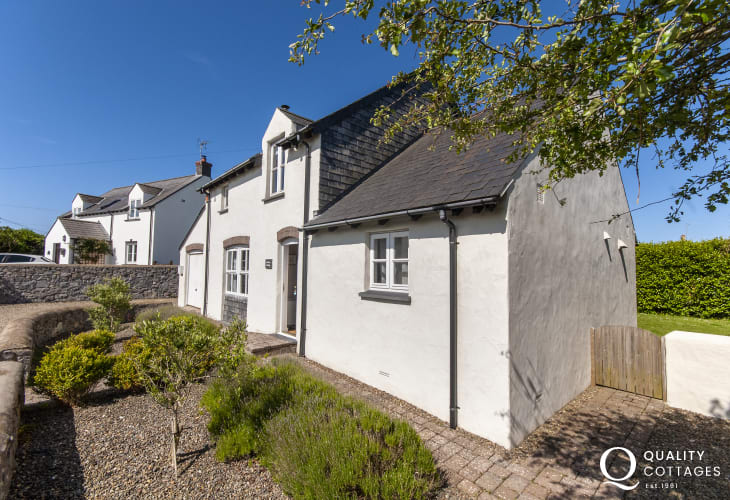 Quaint holiday cottage in Bosherston, Pembrokeshire