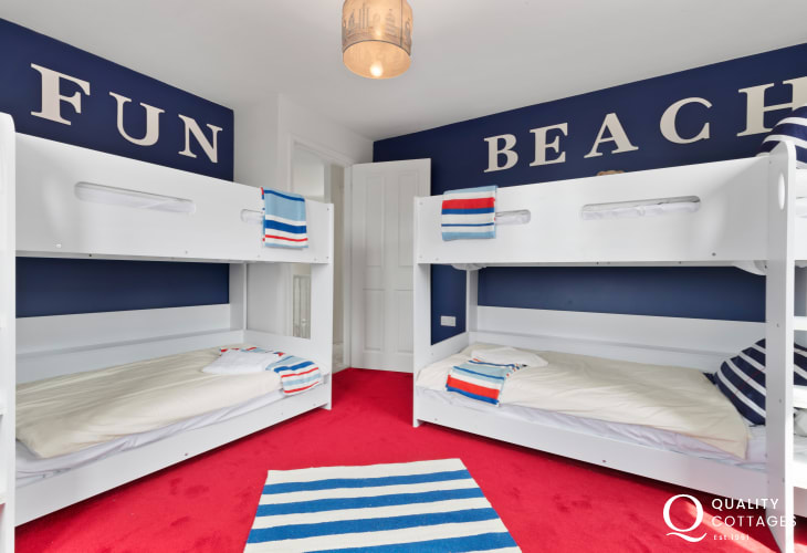 Self catering cottage holiday - bunk bedroom with two sets of bunkbeds