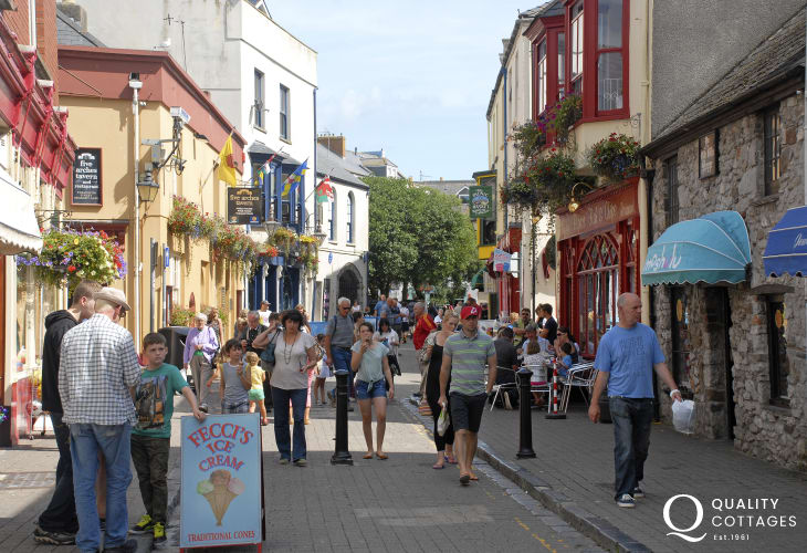 Tenby seaside town stroll around the narrow streets