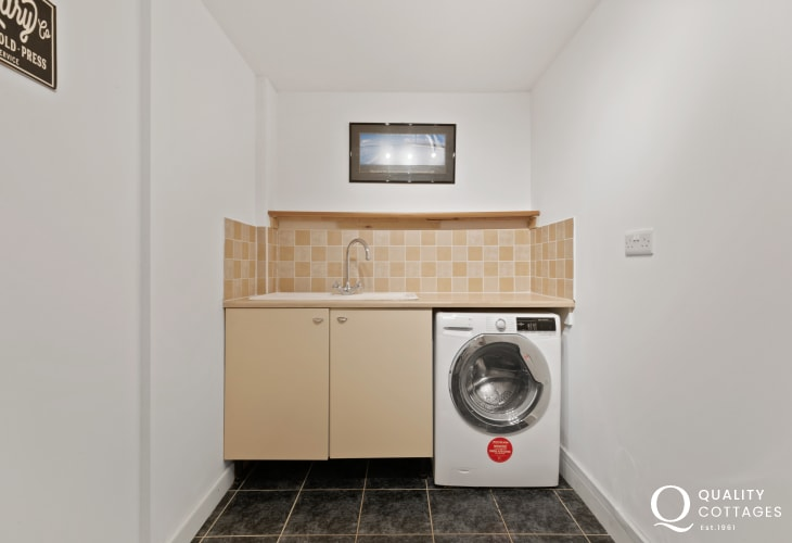 Tenby wonderful beaches for a holiday in Pembrokeshire - utility room