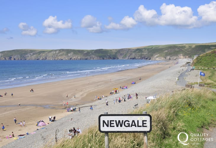 Newgale Beach (Blue Flag) - 2 miles of golden sand popular for surfing, kayaking and kite surfing