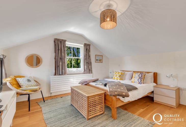 Solva holiday cottage for 8 people - double bedroom
