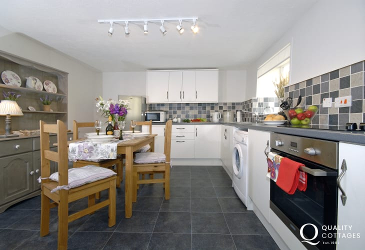 Self catering holiday home in Pembroke - modern kitchen/diner