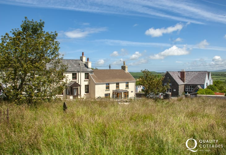 Pet friendly holiday cottage in Mathry, North Pembrokeshire