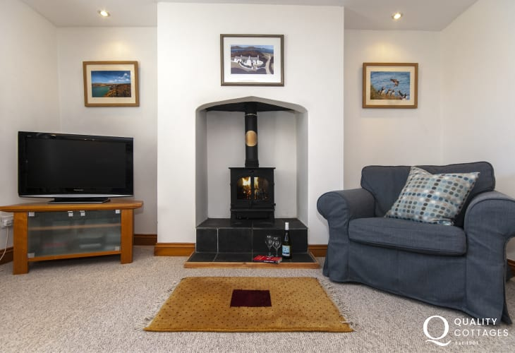 Pembrokeshire  holiday cottage with wood burner