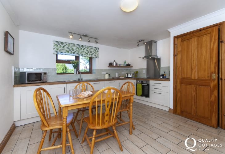 Mathry village self catering cottage - modern kitchen/diner