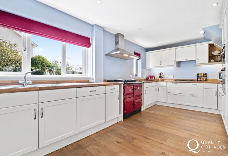 Tenby cottage holiday - luxury kitchen arga