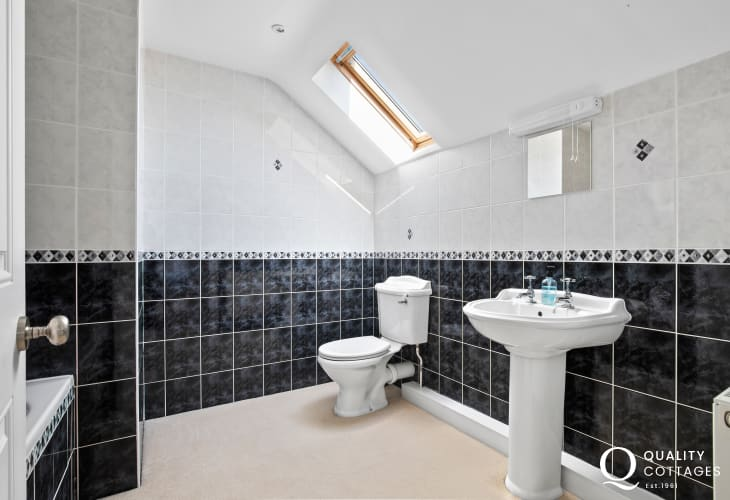 Pembrokeshire Coast cottage holiday attractive family bathroom