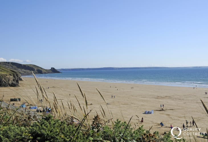 Newgale Beach (Blue Flag) - a stunning 2 mile stretch