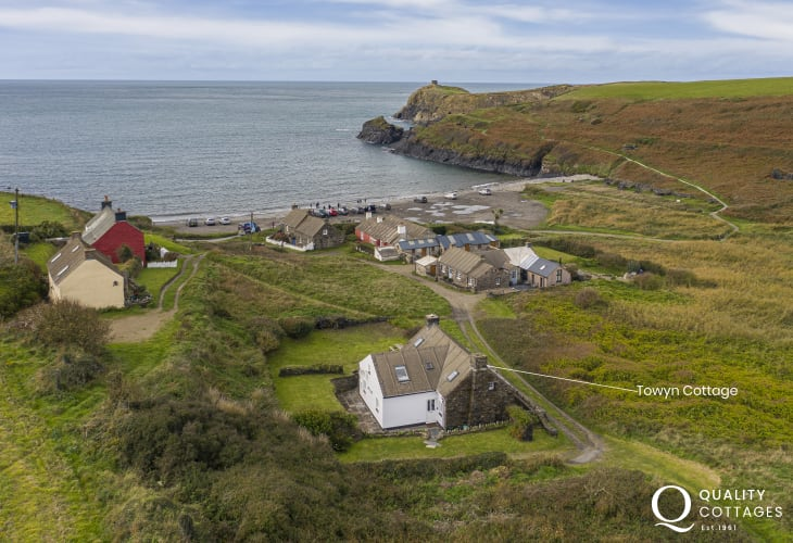 Cottage sleeps 6, location 75 yards from beach at Abereiddy