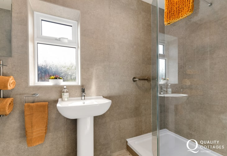 En-suite shower room from King-size bedroom