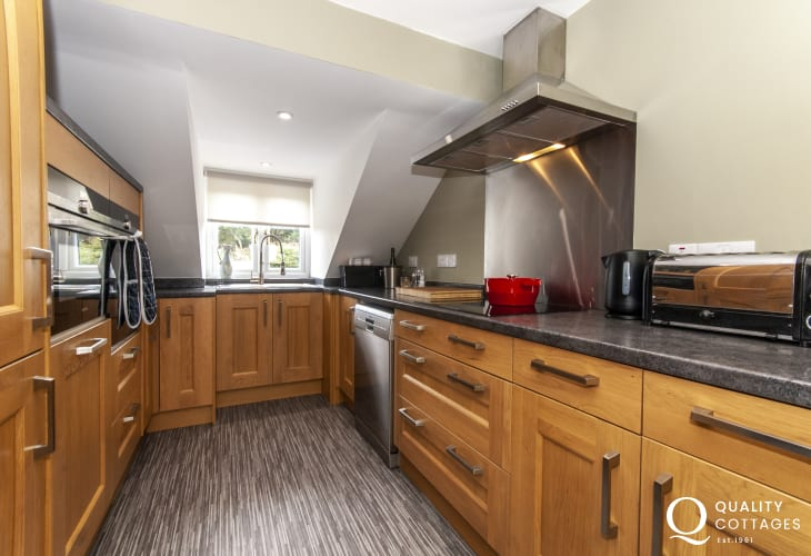 Self catering North Pembrokeshire flat - luxury kitchen