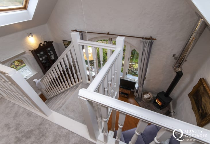 Cosy Pembrokeshire holiday cottage - mezzanine from the master bedroom