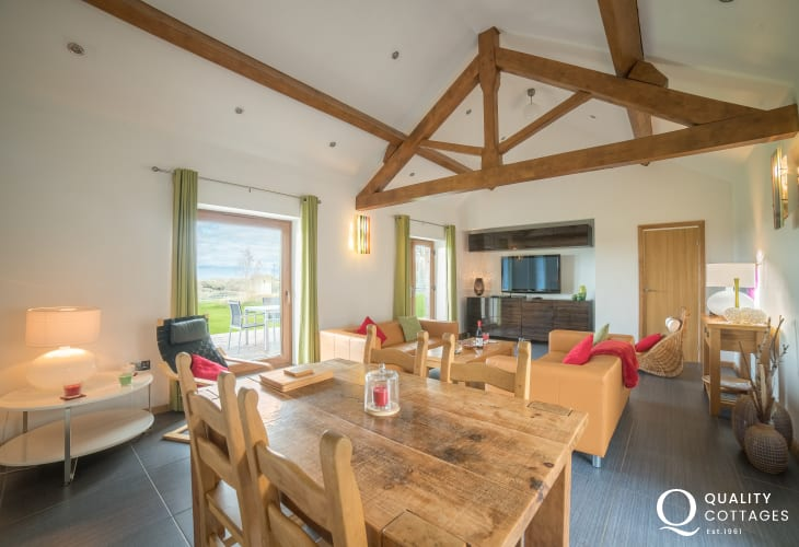 Dog friendly holiday cottage for 2 Anglesey - lounge