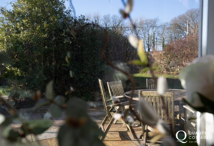 Pet friendly large holiday house with enclosed garden and patio seating, on the St Davids Peninsula, Pembrokeshire.