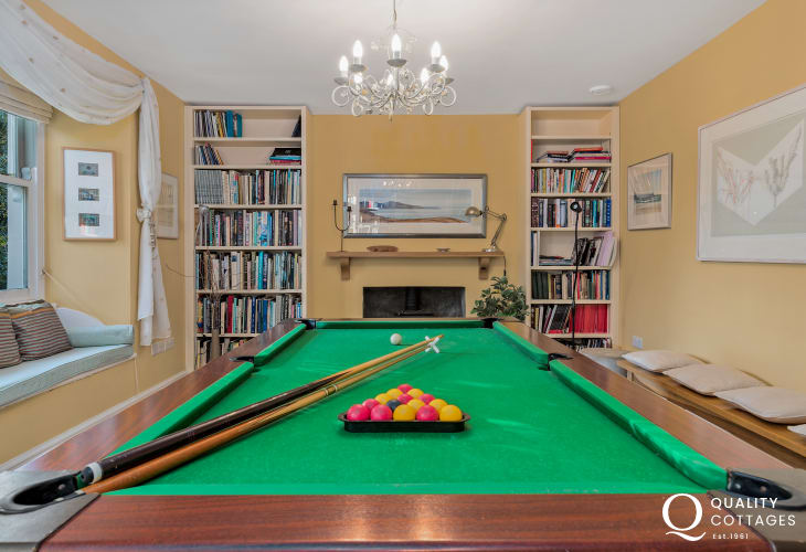 Large holiday cottage on the St Davids Peninsula, Pembrokeshire - library room with pool/snooker table and log burner.