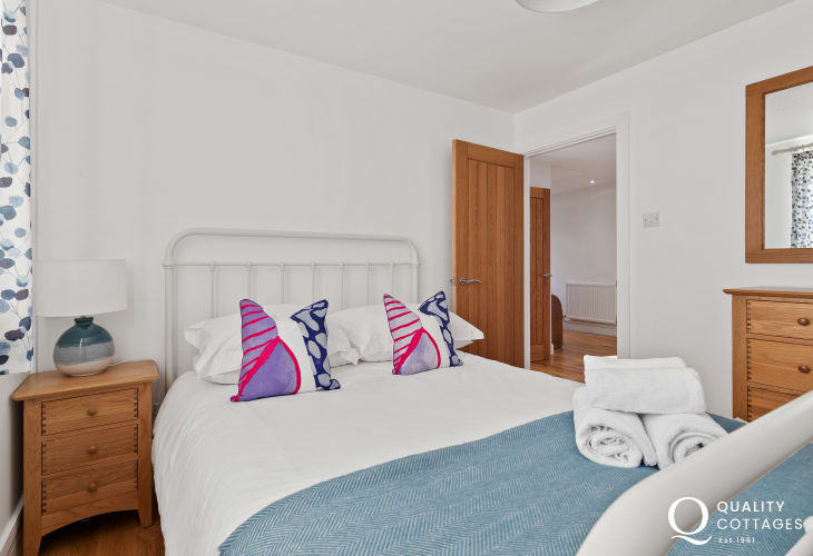 Calm and comfortable double bedroom at The Keys
