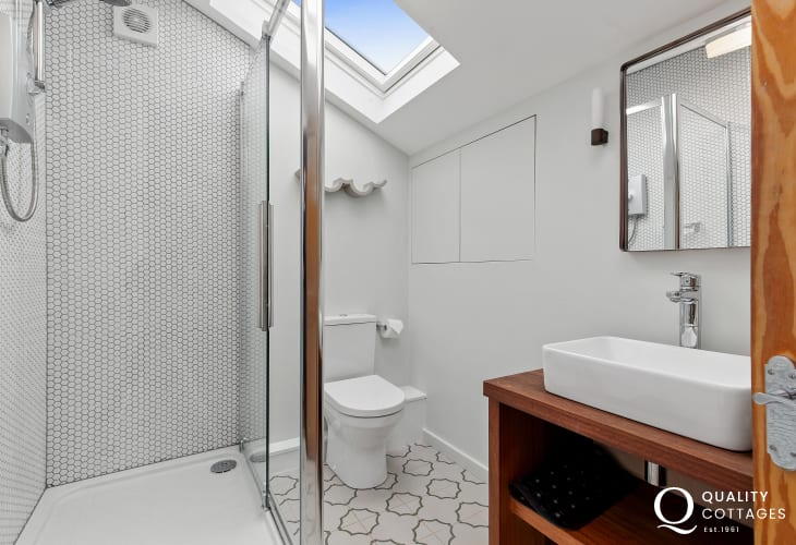 Self contained shower room St David's