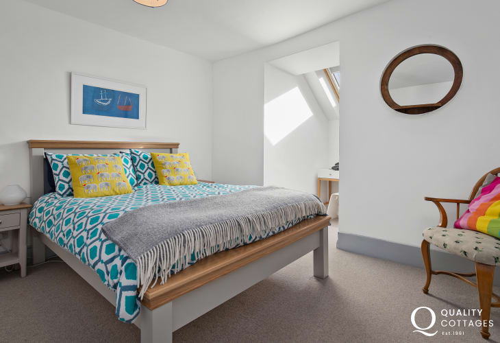 Light Airy Double Bedroom in Luxury Holiday Home St David's