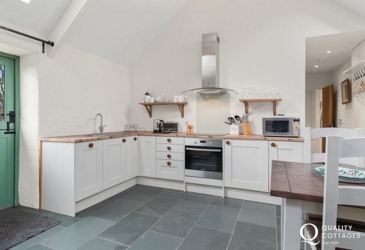 Self catering holiday cottage in rural Pembrokeshire with views of the Preseli Mountains - well equipped modern kitchen.