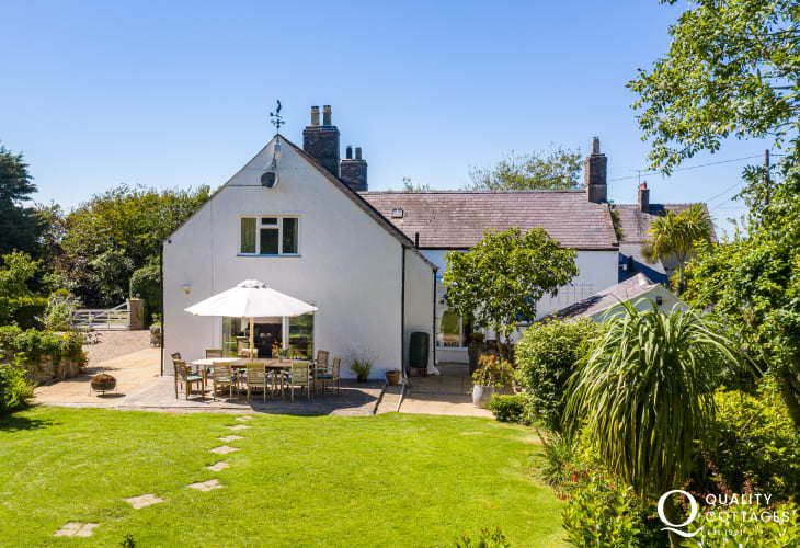 Plas Newydd, a large, spacious and luxury holiday home in North Wales