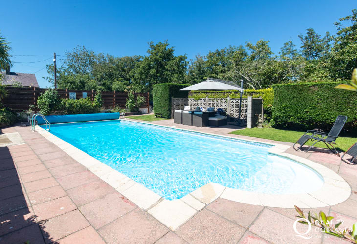 Plas Newydd, a large, spacious and luxury holiday home with a pool in Aberdaron