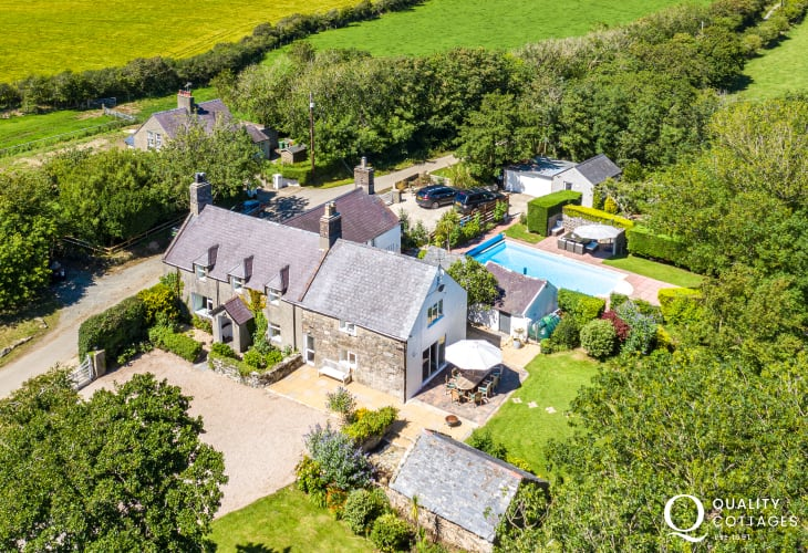 Aerial view of Plas Newydd, a large, spacious and luxury holiday home in Aberdaron