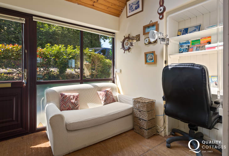 Pembrokeshire holiday home with office space