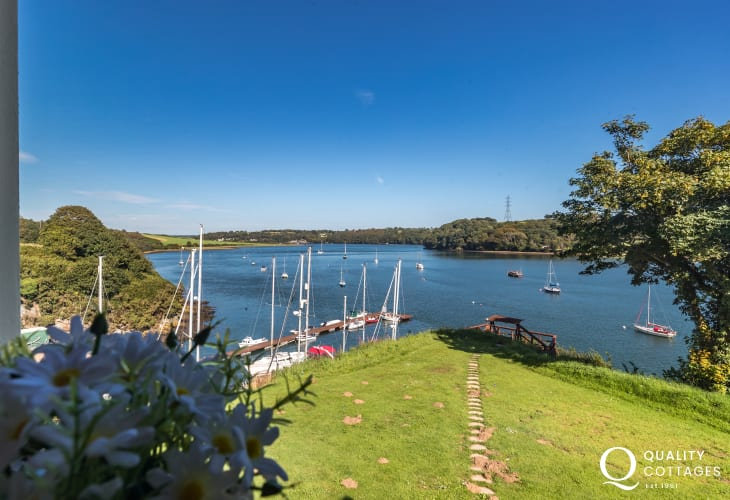 Holiday cottage in Burton Pembrokeshire with river views
