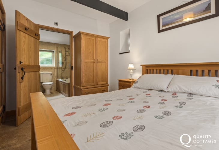 Double bedroom in holiday cottage in New Quay, Cardigan Bay with ensuite bathroom.