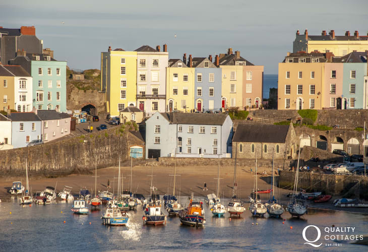 Tenby harbour a short 5 minute drive away