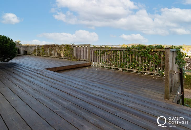 Decked area in back garden with sea views out over Saundersfoot