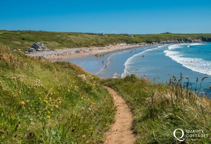 Award-winning Whitesands beach 3 miles from St Davids