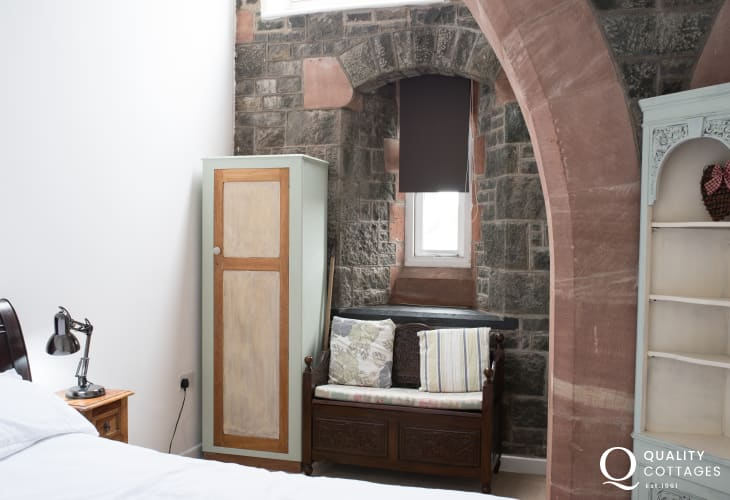 Criccieth self catering apartment - double bedroom