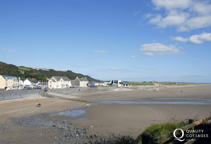 Pendine Sands just a short drive from The Cwtch