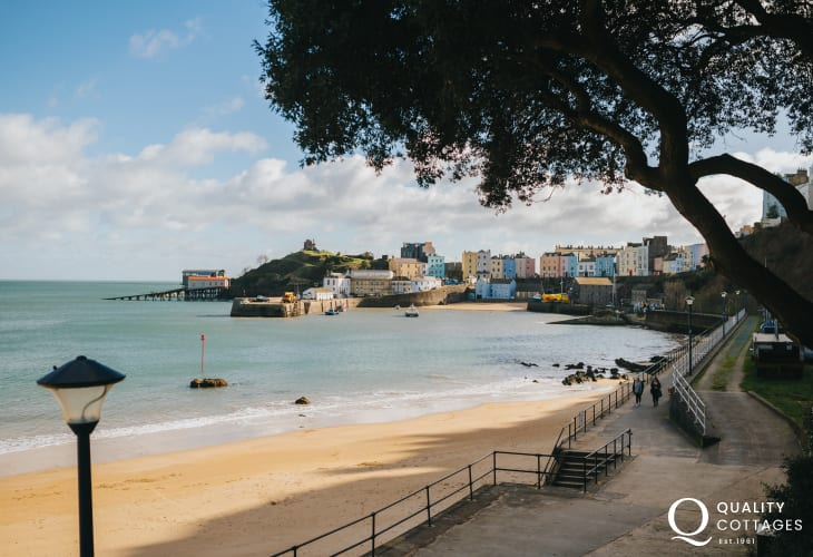 Tenby beach, Pembrokeshire - only a 15 minute drive from The Cwtch holiday cottage.