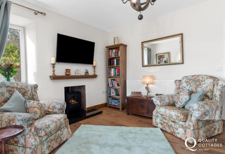 Living room at Edith Villa - Carmarthenshire Holiday Cottage sleeping 10