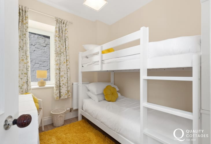 Bunk Bedroom at Edith Villa - Carmarthenshire Holiday Cottage sleeping 10