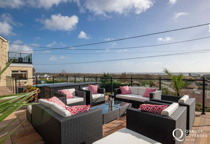 Outdoor Patio at Edith Villa - Carmarthenshire Holiday Cottage sleeping 10