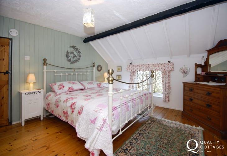 Holiday cottage near Solva - master bedroom