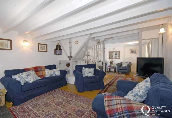 Solva holiday cottage with cosy lounge and wood burning stove