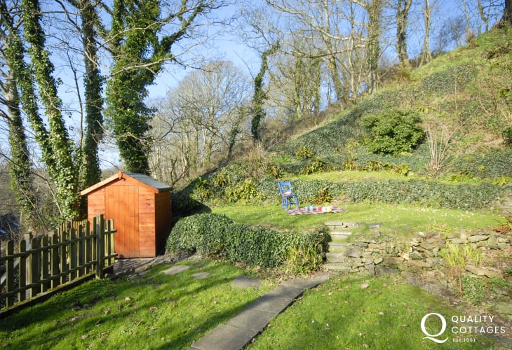 Holiday cottage near Solva with private garden - pets welcome free