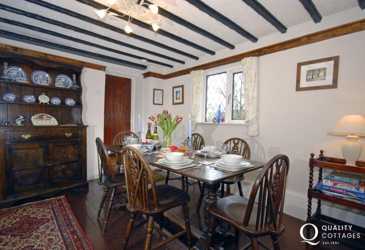 Solva Valley cottage for rent - dining room