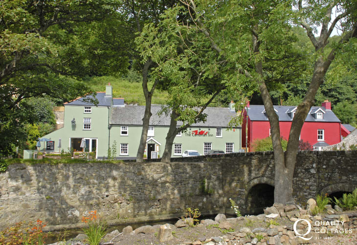 The Cambrian Inn, Solva, offers fresh wholesome food and dogs are very welcome during the day