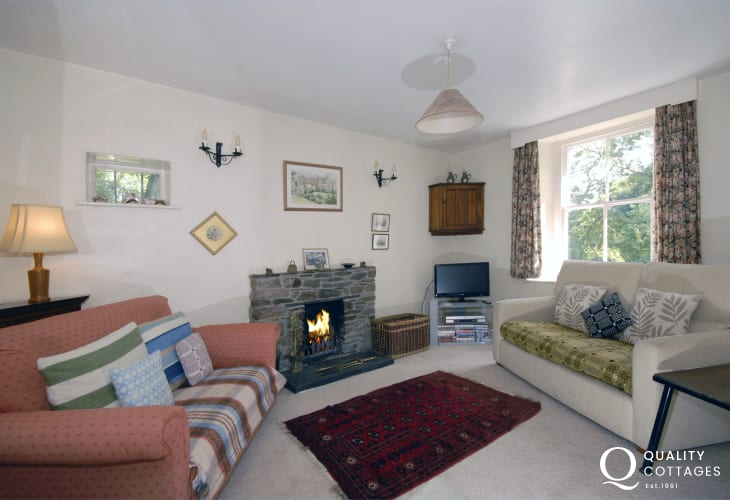 Holiday cottage with sea views - lounge