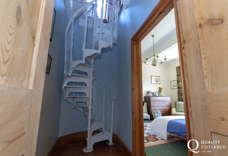 Plas Pontfaen, Pembrokeshire - Manor house with spiral staircase to the attic bedroom