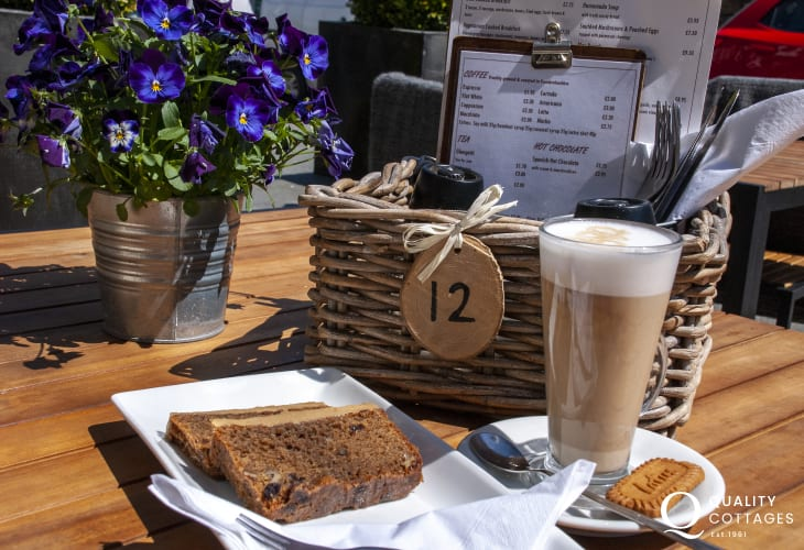 'Blas at Fronlas' in Market St offer lunchtime treats, teas, coffees and mouth watering cakes