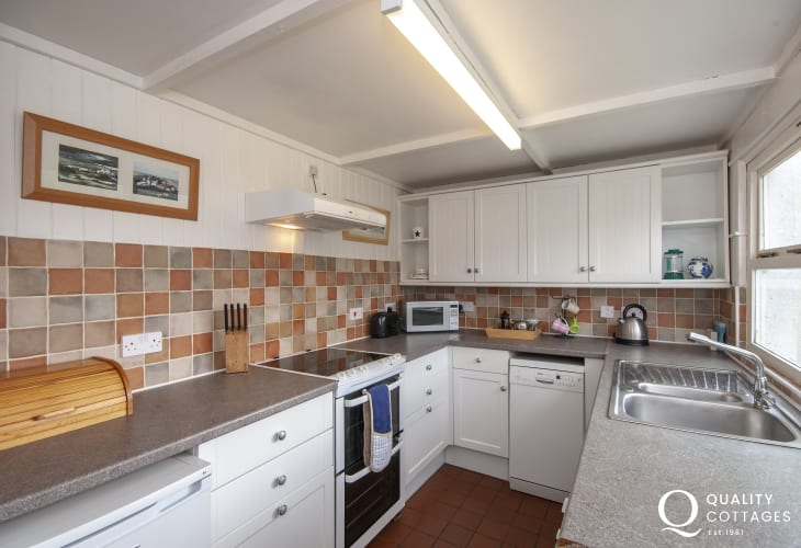 Self catering cottage Solva - galley style kitchen